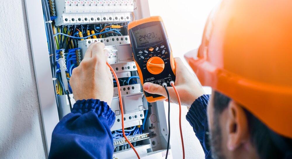 Waar kan je een elektricien voor inhuren